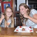 eetcafe-salud-ijsje-aan-de-bar